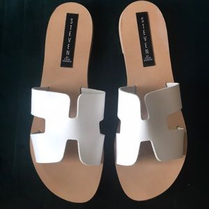 Steve Madden Greece Sandals in White Leather NIB